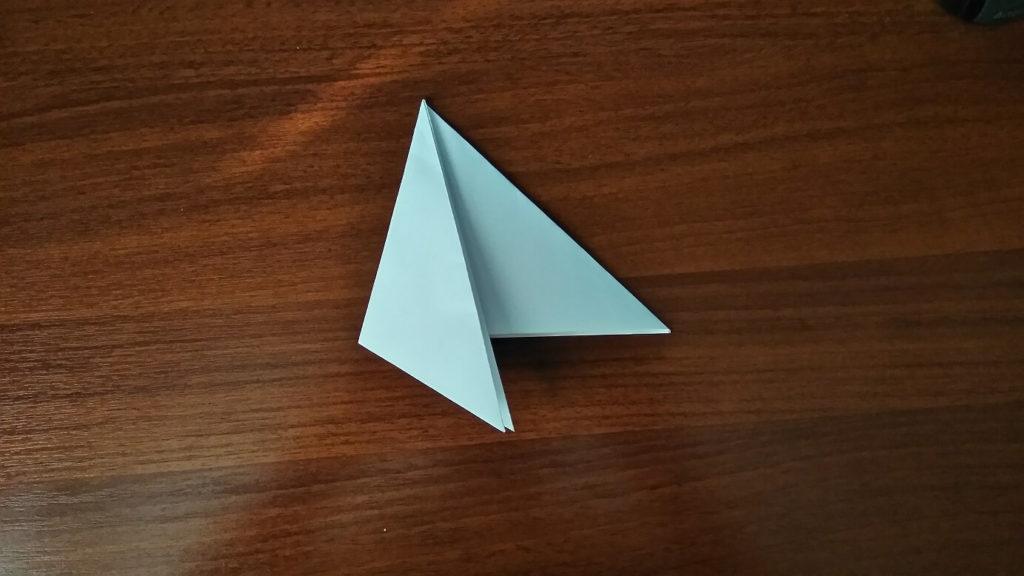 как сделать снежинку из бумаги легко