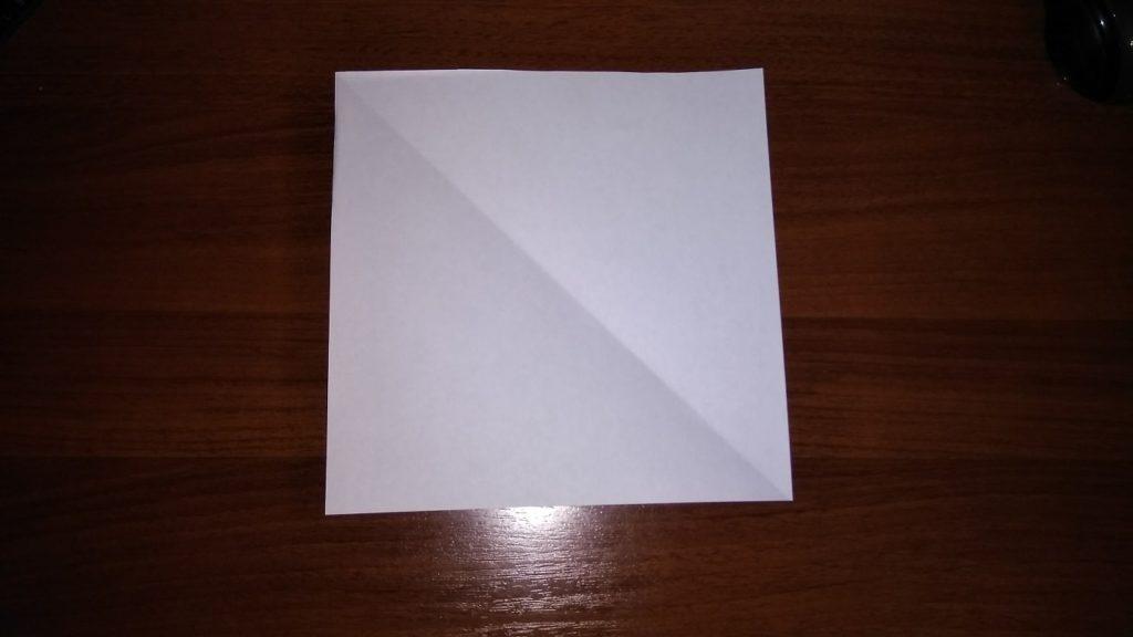 как сделать снежинку на окно из бумаги