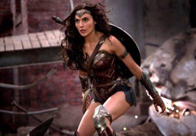 Warner Bros. поправила подмышки Чудо-женщины (но стало еще хуже)