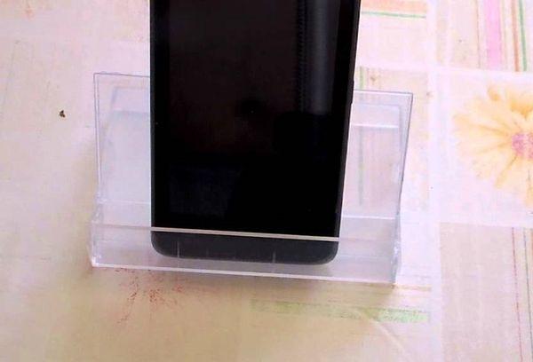 Подставки из кассет для телефона