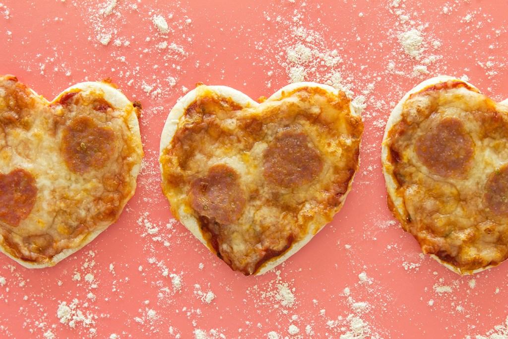 Мини-пиццы в виде сердца 2
