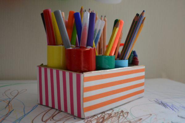 карандашница из картонной коробки