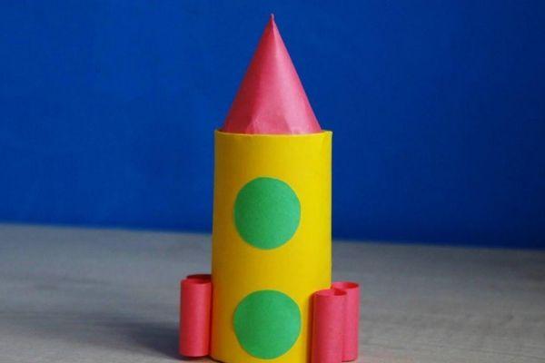 Ракета из туалетных втулок