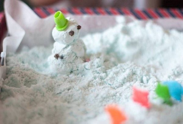 Снег из пены для бритья
