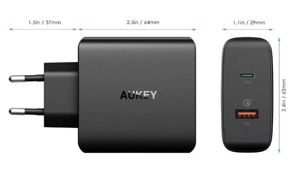 Сетевая зарядка Aukey