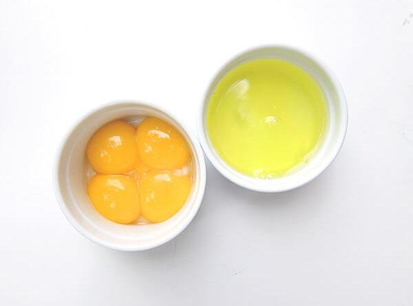 как отделить белок от желтка
