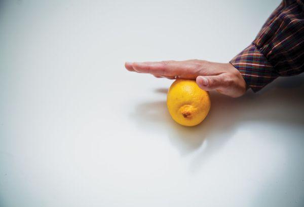 Лимон покатать