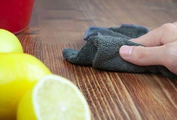 Чистка пола лимонным соком