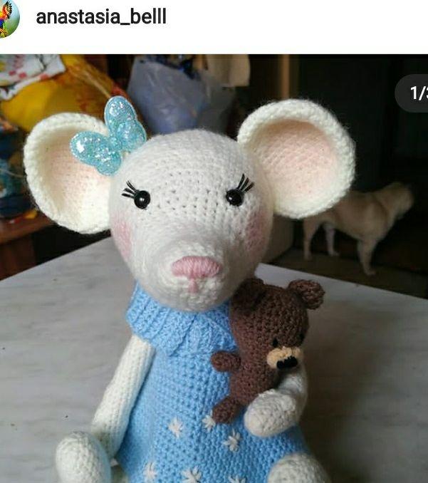 Вязаная игрушка мышонок
