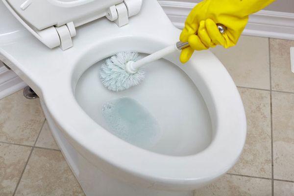 Средство от запаха в туалете в квартире