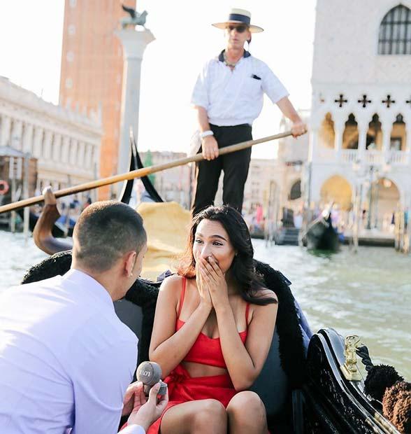 Предложение в Венеции