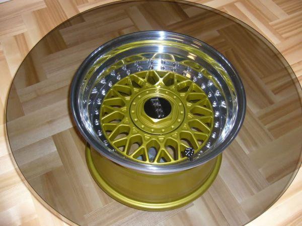 Столик из автомобильного диска