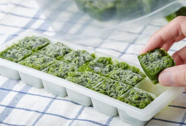 Заморозка зелени в виде пюре